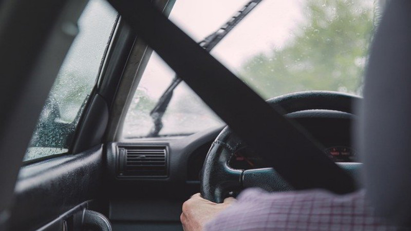 Four Signs to Look For if It's Time for Your Elderly Parent to Stop Driving